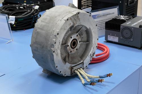 isg是永磁同步电机,与传统的电励磁同步电机相比,永磁同步电机,特别
